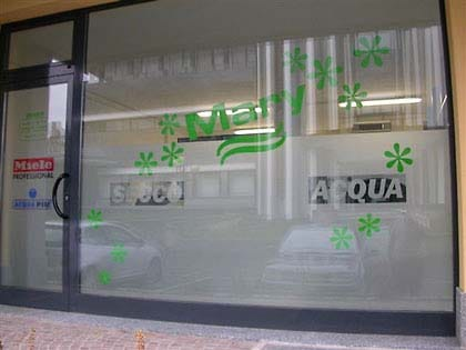 Vetrofanie personalizzate per uffici e negozi adrias s r l for Negozi per ufficio